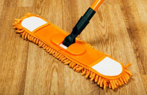 Cleaning_Wood_Floors